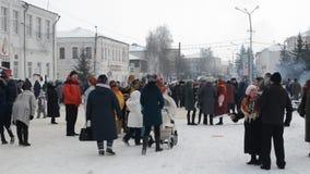 Rusia, Chaplygin, el 18 de febrero de 2018, adiós del día de fiesta de Ranenburg A al carnaval ruso del invierno almacen de metraje de vídeo