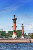 Rusia. Columnas de Petersburg.Rostral. Foto de archivo libre de regalías