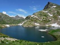 Rusia, el Cáucaso occidental Parte superior Kardyvach del lago Imagenes de archivo