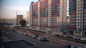 Rusia, Krasnoyarsk 15 de julio de 2016 Casas multifamiliares en la ciudad Krasnoyarsk foto de archivo