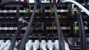 RUSIA, MOSCÚ - 27 de abril de 2019: Indicación de la operación del equipo de red Lan Network Connection v?deo almacen de video