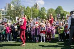 Rusia Moscú, mayo, 07 18: ` Inmortal del regimiento de la guardería del ` público especial de la acción, propaganda militar del e Imágenes de archivo libres de regalías