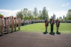 Rusia, Moscú, puede, 07 2018: Los cadetes militares del ` s del movimiento del ` joven del ejército del `, participando en evento Imagen de archivo
