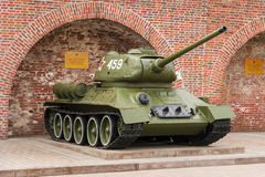 RUSIA - NIZHNY NOVGOROD 4 DE MAYO: El tanque T-34 (T-34-85) Un objeto expuesto Imagenes de archivo