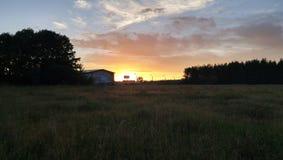 Rusia - puesta del sol en el campo Imágenes de archivo libres de regalías