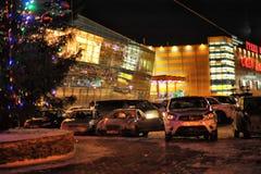 Rusia, St Petersburg, 27,01,2013 el centro comercial moderno Fotos de archivo libres de regalías
