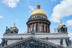 Rusia, St Petersburg, la catedral de Isaac, 07 14 2015: Fotos de archivo libres de regalías