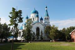 Rusia, St Petersburg, la ciudad de Gatchina, el 18 de agosto de 2018, en la foto la catedral de la intercesión fotos de archivo