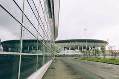Rusia, St Petersburg, 2016: Nueva arena del zenit del estadio de Zenit de la construcción, UEFA, Gazprom-arena Fotos de archivo libres de regalías