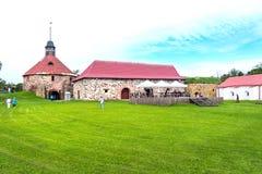 Rusia, St Petersburg, Priozersk, agosto de 2016: Museo de la fortaleza de Korela, torre de la puerta Foto de archivo