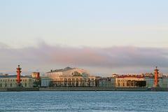 Rusia, St Petersburg, vista del escupitajo de Vasilyevsky Island imagen de archivo