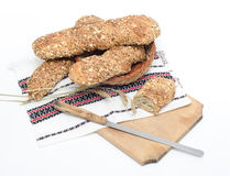 Rusitic chleb na tradycyjnym płótnie i desce Zdjęcie Stock