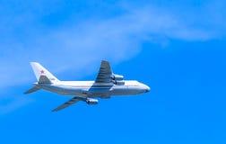 An-124-100 Ruslan (神鹰) 免版税图库摄影