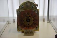 Rusland, Angarsk 02/01/2018 Museum van de oude klok Stock Afbeelding