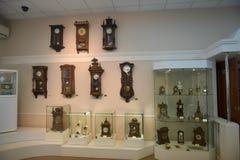 Rusland, Angarsk 02/01/2018 Museum van de oude klok Stock Foto's