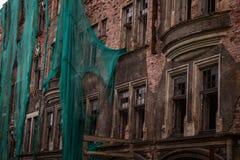 Rusland, Augustus 2016: Oud, dilapidated huis in het oude deel van Viborg Stock Afbeeldingen