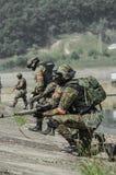 Rusland, Belgorod, 25 Juli, 2016: oefeningen van speciale korpsen storm de gevangen basis op diverse manieren royalty-vrije stock afbeelding