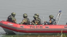 Rusland, Belgorod, 25 Juli, 2016: oefeningen van speciale korpsen storm de gevangen basis op diverse manieren royalty-vrije stock fotografie