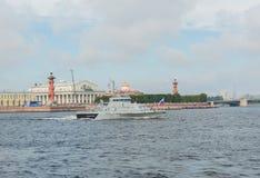 Rusland, heilige-Petersburg, 30 Juli, 2017 - anti-sabotage de boot Stock Afbeeldingen