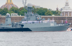Rusland, heilige-Petersburg, 30 Juli, 2017 in de wateren van Ne Royalty-vrije Stock Foto's