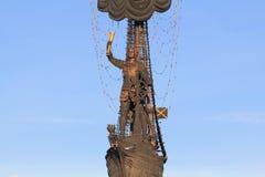 """RUSLAND, MOSKOU € """"23 JANUARI, 2019: Het cijfer van Peter Groot, een deel van het monument aan Peter Groot door Zurab Tsereteli stock afbeelding"""