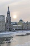 Rusland. Moskou. Mening over kade Sophia en de Kerk royalty-vrije stock fotografie