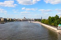 06/12/2015 Rusland Moskou Mening van de dijk van Moskou Royalty-vrije Stock Foto