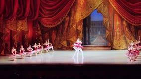 Rusland, Novosibirsk, 30 kan 2015 Prestaties van opera en ballettheater 1920x1080 HD stock footage