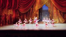 Rusland, Novosibirsk, 30 kan 2015 Prestaties van opera en ballettheater 1920x1080 HD stock videobeelden