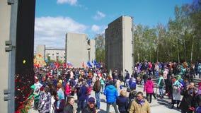 Rusland, Novosibirsk, 9 Mei 2017: De Russen vieren Victory Day stock footage