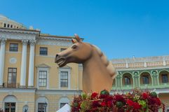Rusland, Pavlovsk Park op 22 Juli, het hoofd van het de samenstellingspaard van 2017 Stock Afbeeldingen