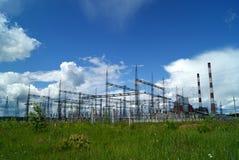 RUSLAND, PERMANENT - 12 JUNI, 2015: Elektrohulpkantoor stock foto's