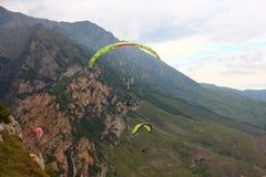 Rusland Republiek kabardino-Barkar Chegem paradrome waar de dromen waar komen, vluchten over de aarde!!! Royalty-vrije Stock Foto