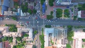 Rusland Rostov-op-trek aan Het Rode Leger en het prospectus Budennovsky van de kruispuntenstraat Het stadscentrum stock videobeelden