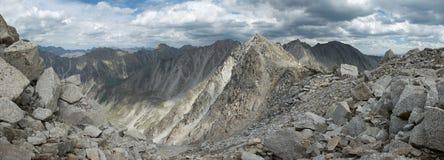 Rusland. Siberië. Altai. Het panorama van de berg royalty-vrije stock afbeeldingen