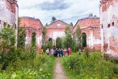 Rusland, St. Petersburg, Priozersk, Augustus 2016: Schilderachtige ruïnes Royalty-vrije Stock Foto