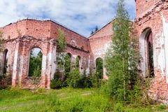 Rusland, St. Petersburg, Priozersk, Augustus 2016: Schilderachtige ruïnes Royalty-vrije Stock Foto's