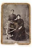 Rusland-1908, studioportret van twee vrouwen stock afbeeldingen