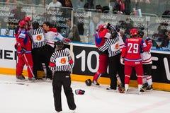 Rusland versus Canada. 2010 het Kampioenschap van de Wereld Stock Foto's