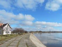 Rusne ö och Skirvyte flod, Litauen Arkivfoto