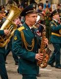 RUSO, KOZELSK, el 9 de mayo de 2017, Victory Day, el 9 de mayo Para militares Fotografía de archivo libre de regalías