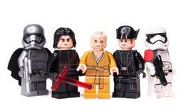 RUSO, SAMARA - 17 DE ENERO DE 2019 LEGO STAR WARS Caracteres de Minifigures Star Wars - episodio 8, Kylo Ren, Phasma, Snoke, Hux imagenes de archivo