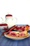 Ruspberry Vanillepuddingtorte des Rhabarbers Lizenzfreie Stockbilder