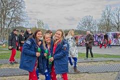 Russ bleu et rouge prêt pour la partie au château de Fredriksten dans Halden Norvège photographie stock