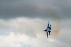 Russe adelt aerobatic Kämpfer Team Sukhoi Su-27 an MAKS Airshow 2015 Stockfoto