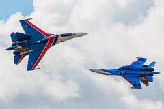 Russe adelt aerobatic Kämpfer Team Sukhoi Su-27 an MAKS Airshow 2015 Stockbild