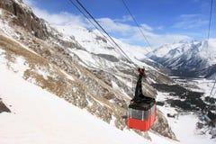 Russe de montagne de gondole de fédération d'elbrus Images stock