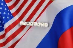Russe et sanctions de drapeau des Etats-Unis Photographie stock libre de droits