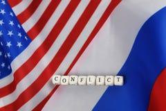 Russe et sanctions de drapeau des Etats-Unis Photos stock