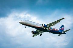 Russe-Fluglinien Airbusses A321-211 VP-BTL– Aeroflot Lizenzfreie Stockfotos